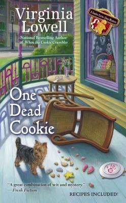 One Dead Cookie (A Cookie Cutter Shop Mystery), Virginia Lowell
