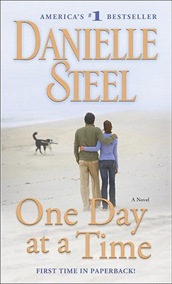 One Day at a Time: A Novel, DANIELLE STEEL